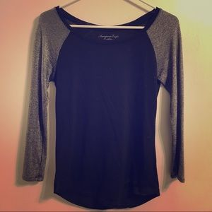 Small black and silver 3 quarter sleeve top